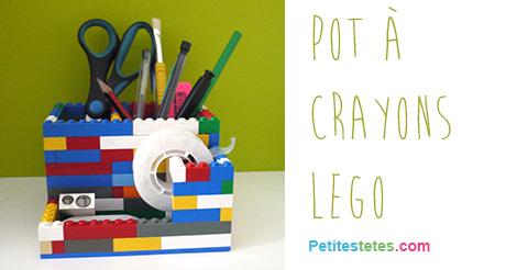 pot-crayons-lego