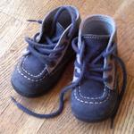 L'achat de chaussures pour son enfant